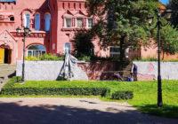 Дореволюционную кирпичную кладку в Смоленске заштукатурят