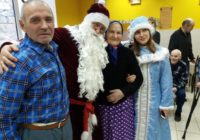 В Смоленске продолжается благотворительная акция «Ёлка желаний для одиноких бабушек и дедушек»