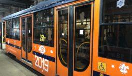 В Смоленске запустили новогодний трамвай