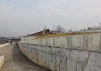 «Скверный инспектор»: постигаем философию Владимирской набережной