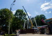 Появились фотографии процесса монтажа нового колеса обозрения в Смоленске