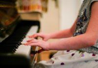 Смоленские музыкальные школы получили новые инструменты и оборудование